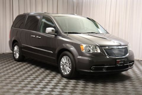 Pre-Owned 2016 Chrysler Town & Country Limited