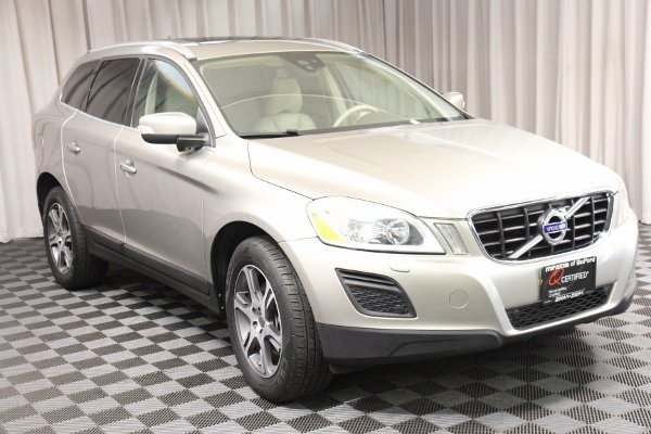 Pre-Owned 2012 Volvo XC60 T6