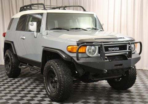 Pre-Owned 2014 Toyota FJ Cruiser Base